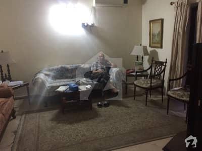گلبرگ 2 گلبرگ لاہور میں 5 کمروں کا 1 کنال زیریں پورشن 1.7 لاکھ میں کرایہ پر دستیاب ہے۔