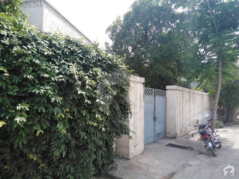 یونیورسٹی ٹاؤن پشاور میں 1.4 کنال مکان 6 کروڑ میں برائے فروخت۔