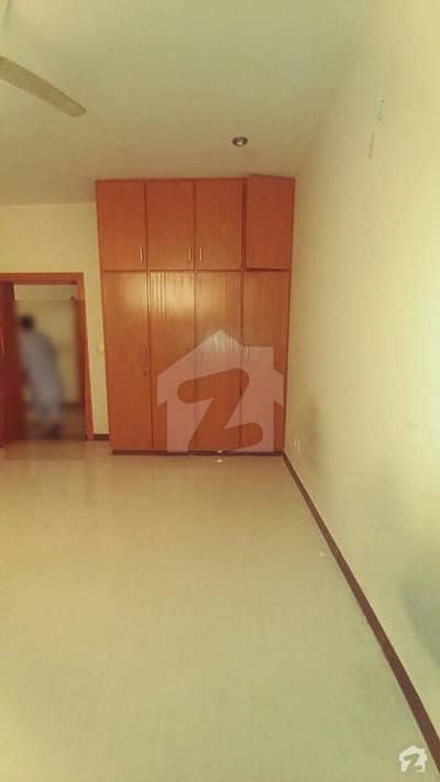 3 bedroom basement is available for rent in E11