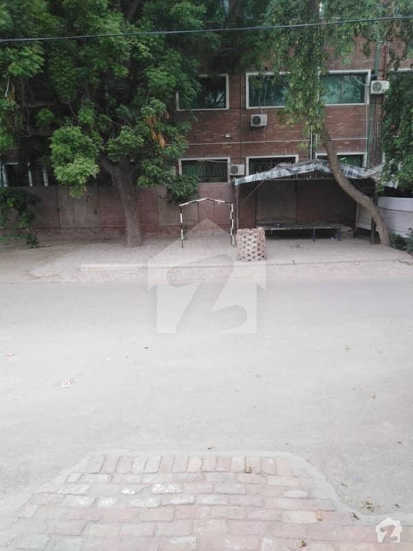 14 Marla House In Ghulam Muhammad Abad A-block