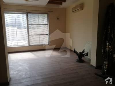 ڈی ایچ اے ہومز ڈی ایچ اے فیز 5 ڈیفنس (ڈی ایچ اے) لاہور میں 4 کمروں کا 10 مرلہ مکان 80 ہزار میں کرایہ پر دستیاب ہے۔