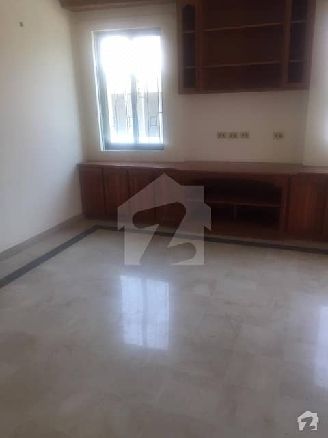 F-11 666 Yards 8 Bed Room Beautiful House