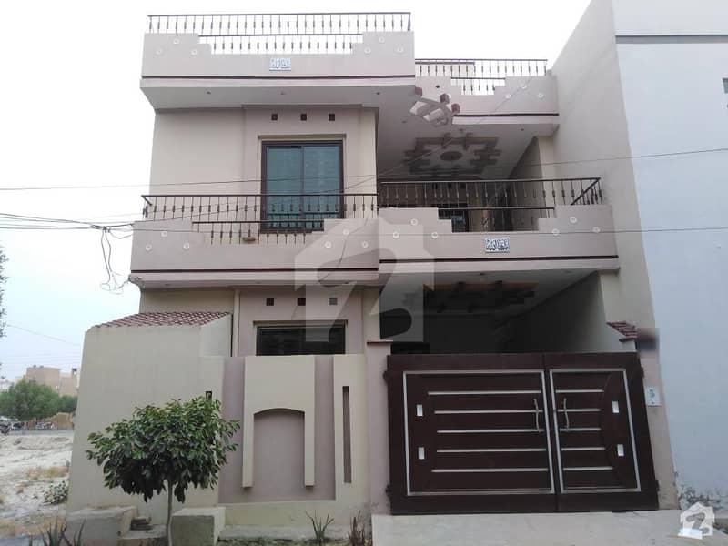 شادمان سٹی فیز 2 شادمان سٹی بہاولپور میں 3 کمروں کا 5 مرلہ مکان 27 ہزار میں کرایہ پر دستیاب ہے۔