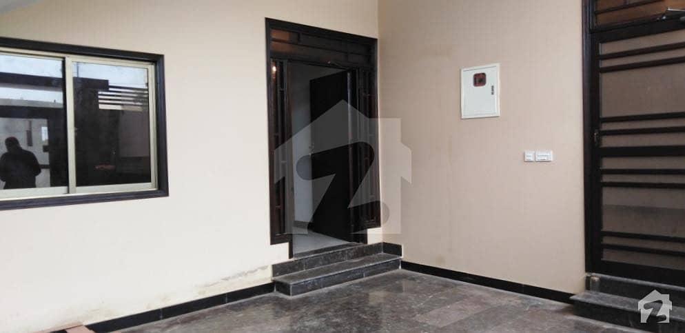 گلشنِ معمار - سیکٹر یو گلشنِ معمار گداپ ٹاؤن کراچی میں 6 کمروں کا 10 مرلہ مکان 2.35 کروڑ میں برائے فروخت۔