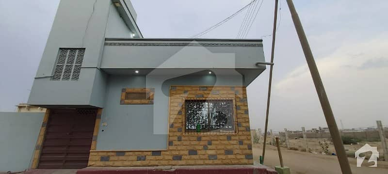 house 80sqyd  in new condition   2 side corner and park facing