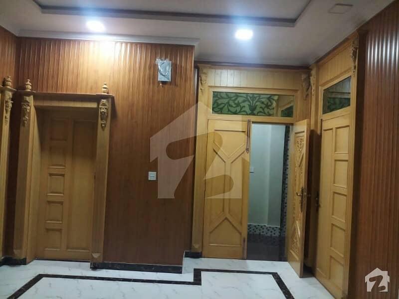یونیورسٹی ٹاؤن پشاور میں 3 کمروں کا 8 مرلہ بالائی پورشن 25 ہزار میں کرایہ پر دستیاب ہے۔