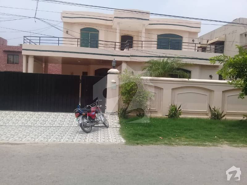 1 Kanal Luxurious Bungalow For Rent In Dha Phase 3 Block Z