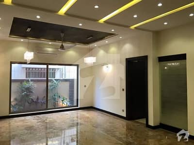 9 Marla House Available For Rent In Safari Villas Bahria Town