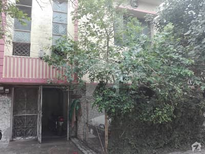 Triple Storey House Well Built House Available In Good Location