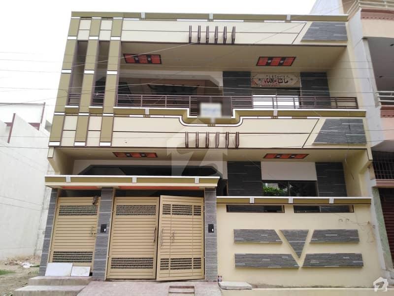 گلشنِ معمار گداپ ٹاؤن کراچی میں 6 کمروں کا 8 مرلہ مکان 2.4 کروڑ میں برائے فروخت۔