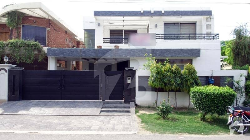22 Marla Corner Slightly Used Modern Bungalow Is Available For Rent On Prime Location