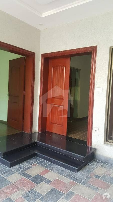 10 Marla Lower Portion Separate Enterance For Rent In Dha Phase 3 Block Z