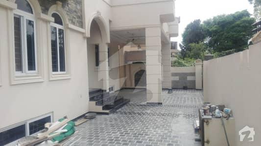 آئی ۔ 8/3 آئی ۔ 8 اسلام آباد میں 11 کمروں کا 1.2 کنال مکان 13.85 کروڑ میں برائے فروخت۔