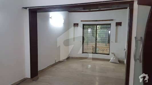 Dha 5 Marla Awesome Lower Portion With Basement For Rent In Phase 3