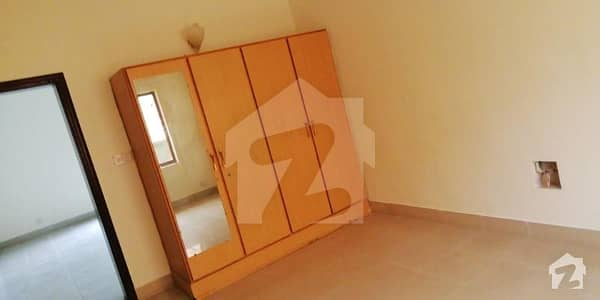 1Kanal 5 Bed House Is Available For Rent
