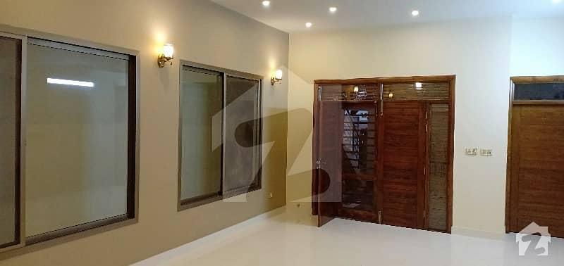 گلستانِِ جوہر ۔ بلاک 12 گلستانِ جوہر کراچی میں 8 کمروں کا 10 مرلہ مکان 3.7 کروڑ میں برائے فروخت۔