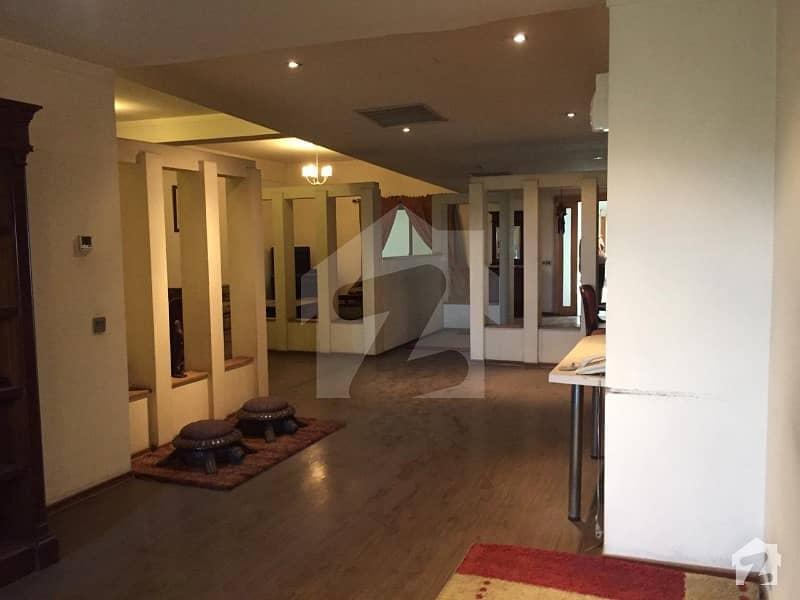 مال آف لاہور عزیز بھٹی روڈ کینٹ لاہور میں 3 کمروں کا 11 مرلہ فلیٹ 4. 9 کروڑ میں برائے فروخت۔