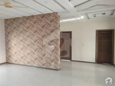 ڈی ایچ اے فیز 2 - سیکٹر ڈی ڈی ایچ اے ڈیفینس فیز 2 ڈی ایچ اے ڈیفینس اسلام آباد میں 6 کمروں کا 1 کنال مکان 1.25 لاکھ میں کرایہ پر دستیاب ہے۔