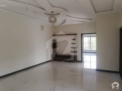 10 Marla Double Story brand New House for Sale in M  5 Lake City