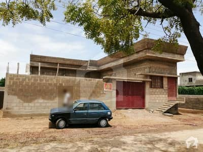 400 Sq Yards Grey Structure Bungalow For Sale