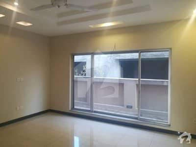 ڈی ایچ اے فیز 1 - سیکٹر بی ڈی ایچ اے ڈیفینس فیز 1 ڈی ایچ اے ڈیفینس اسلام آباد میں 6 کمروں کا 1 کنال مکان 5.5 کروڑ میں برائے فروخت۔