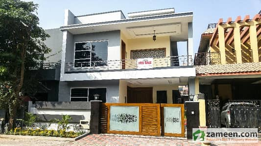 10 Marla Out Class Constructed House In Bahria Town Phase 2