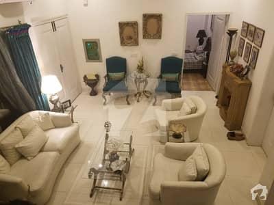 ڈی ایچ اے فیز 7 - بلاک ایکس فیز 7 ڈیفنس (ڈی ایچ اے) لاہور میں 4 کمروں کا 1 کنال مکان 65 ہزار میں کرایہ پر دستیاب ہے۔