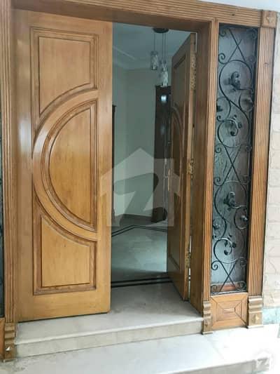 ایف ۔ 7 اسلام آباد میں 6 کمروں کا 1.24 کنال مکان 13 کروڑ میں برائے فروخت۔
