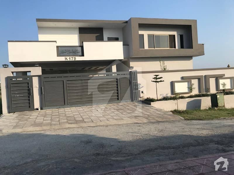 60x90 Beautiful House Is Available For Sale In D-18