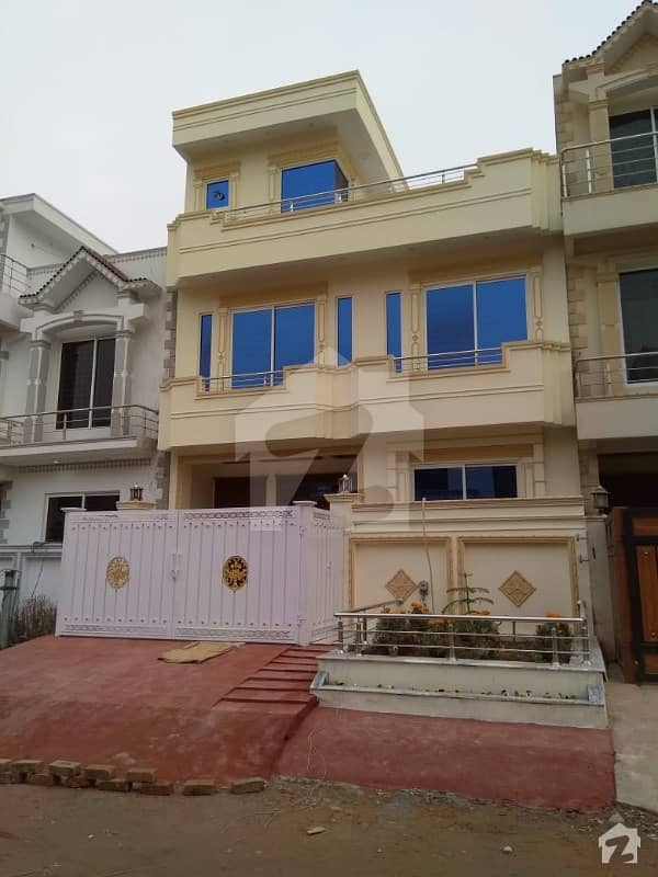 25x40 Beautiful house for Sale in G13 Isl