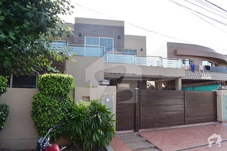 22 Marla Corner Kanal New House Located Near Park And Mosque Must Once Visit