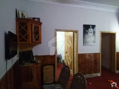 حیات آباد فیز 2 - جی2 حیات آباد فیز 2 حیات آباد پشاور میں 3 کمروں کا 5 مرلہ مکان 55 لاکھ میں برائے فروخت۔