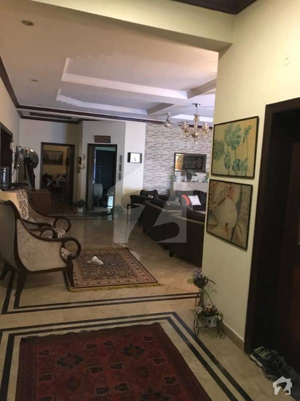 E-11/3 Size 500 Sq Yd 6 Beds Beautiful Double Unit House Prime Location