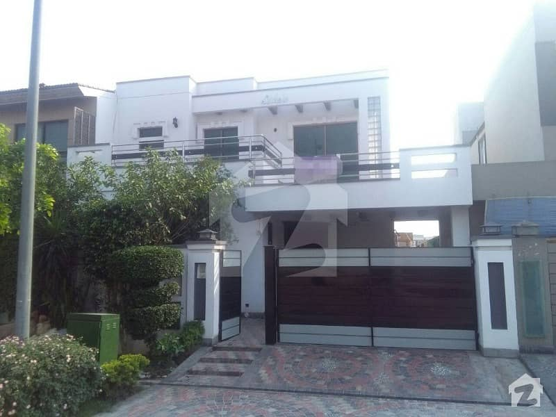 10Marla Beautiful Bungalow for rent in dha phase 6 A block