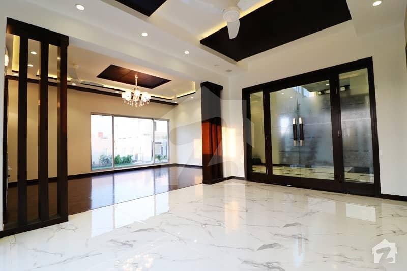 ڈی ایچ اے فیز 6 ڈیفنس (ڈی ایچ اے) لاہور میں 5 کمروں کا 1 کنال مکان 4. 55 کروڑ میں برائے فروخت۔