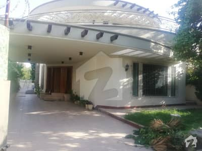 F-8, 5 Bed Room With Ac Curtain And Central Heating System Best For Resistance Rent Only 3 Lac