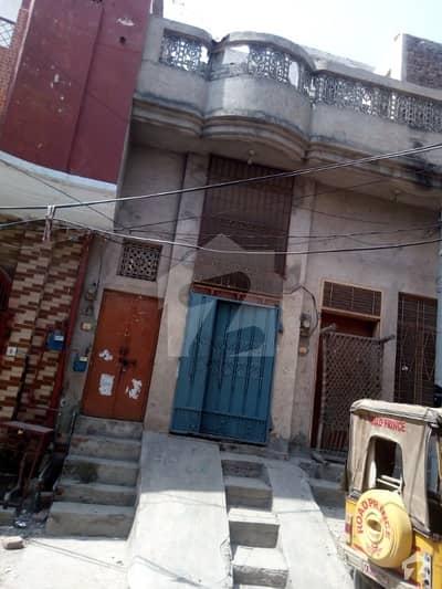 فاطمہ جناح روڈ سرگودھا میں 3 کمروں کا 2 مرلہ مکان 35 لاکھ میں برائے فروخت۔