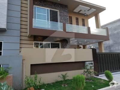 10 Marla 5 Bed Brand New Double Unit Luxury House is Available For Rent In Bahria Town Phase III