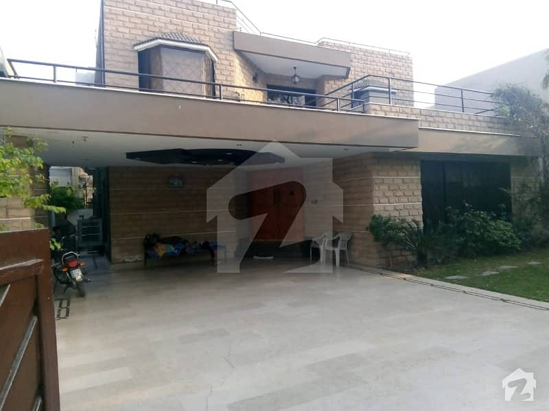 Fully Furnished 1 Kanal Prime Location House With Basement Swimming Pool For Rent