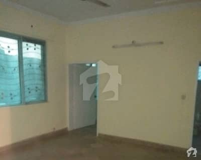 1 Kanal Commercial Lower Portion Is Available For Rent