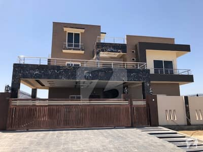 1 Kanal Double Road House For Sale