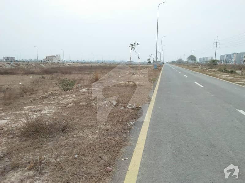 ڈی ایچ اے فیز 7 - بلاک وائے فیز 7 ڈیفنس (ڈی ایچ اے) لاہور میں 1 کنال رہائشی پلاٹ 1. 25 کروڑ میں برائے فروخت۔