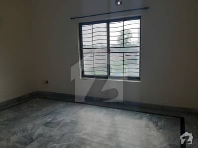 2 bed's TV kitchen fully Marble apartment flat only family needs