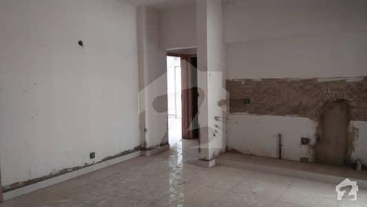 کامران چورنگی کراچی میں 3 کمروں کا 8 مرلہ فلیٹ 1.45 کروڑ میں برائے فروخت۔