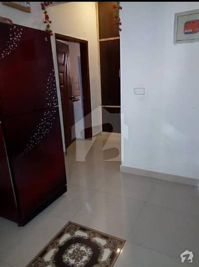 2 Bed D/D Flat In Dastagir Colony For Sale
