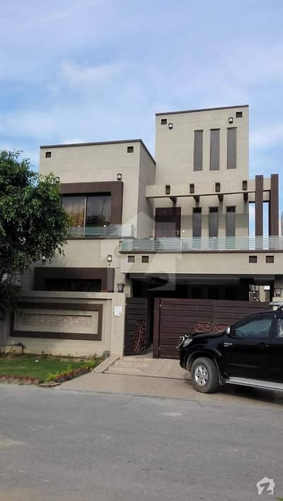 9 Marla Beautiful Full House For Rent in BB Block Bahria Town Lahore