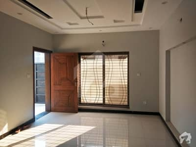 Kashmir Road 5 Marla Brand New House Available For Rent