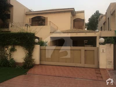 Defence 11 Marla Owner Build Bungalow At Ideal Location Reasonable Price