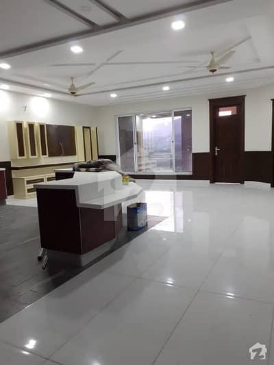 ای ۔ 11/3 ای ۔ 11 اسلام آباد میں 8 کمروں کا 1 کنال مکان 7.3 کروڑ میں برائے فروخت۔