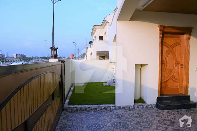 بحریہ انکلیو - سیکٹر سی 1 بحریہ انکلیو بحریہ ٹاؤن اسلام آباد میں 4 کمروں کا 10 مرلہ مکان 85 ہزار میں کرایہ پر دستیاب ہے۔